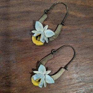 Jewelry - Artisanal Flower Earrings 🌼